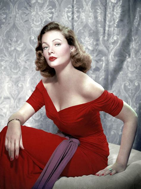 Lisa Papineau: Actresses wearing red (2)